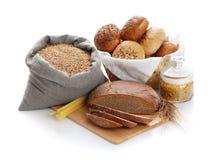 Montón del vario pan, bolso con trigo y macarrones fotografía de archivo libre de regalías