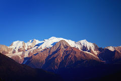 Mont Blanc στο σούρουπο Στοκ φωτογραφία με δικαίωμα ελεύθερης χρήσης