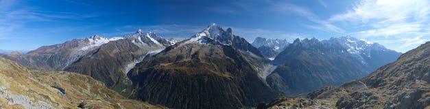 Mont Blanc bergpanorama Fotografering för Bildbyråer