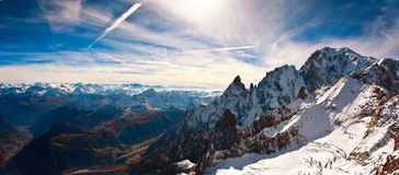 Mont Blanc Courmayeur, Italien Arkivbilder