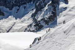 Mont Blanc de escalada, cumes franceses, França Foto de Stock