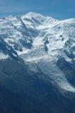 Mont Blanc e ghiacciaio Chamonix-Mont-Blanc vicina in alpi in Francia Immagine Stock Libera da Diritti