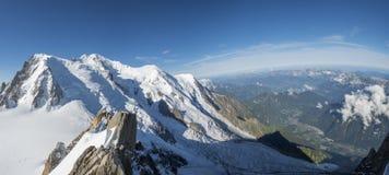 Mont Blanc e valle Fotografia Stock Libera da Diritti