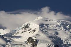 Mont Blanc em junho Alpes franceses Fotos de Stock Royalty Free
