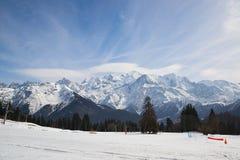 Mont Blanc-Gebirgsgebirgsmassiv, Frankreich Berge im Dunst Stockfotografie