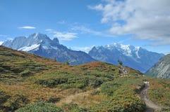 Mont Blanc Hiking Trail imágenes de archivo libres de regalías