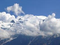 Mont Blanc-massief onder de sneeuw in de Franse Alpen Stock Afbeeldingen