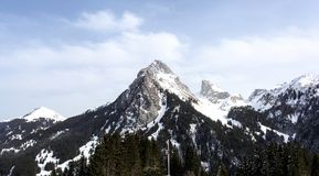 Mont Blanc Mount från sidan av Evian Les Bains, Frankrike royaltyfri foto
