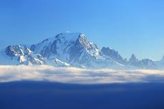Mont Blanc, paesaggio di inverno nella stazione sciistica di La Plagne, Francia Fotografie Stock Libere da Diritti