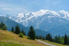 Mont Blanc visto del llano Joux, Francia imagenes de archivo