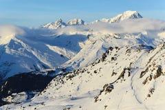 Mont Blanc y cuestas del esquí Imágenes de archivo libres de regalías