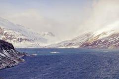 Mont-Cenis oder Moncenisio See im Winter lizenzfreie stockfotografie
