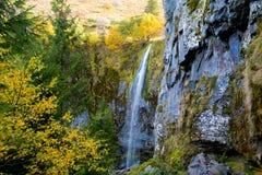 Mont Dore瀑布在奥韦涅 免版税库存照片