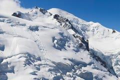 Mont Maudit和勃朗峰 免版税库存图片