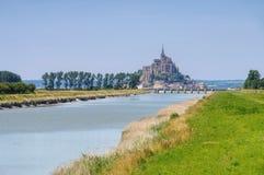 Mont Saint Michel Abbey i Normandie royaltyfri fotografi