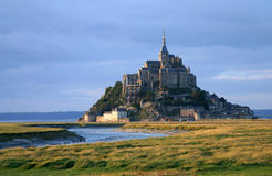 Mont Saint Michel in bello tempo Fotografia Stock