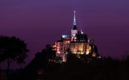 Mont Saint-Michel di notte Immagine Stock Libera da Diritti