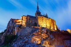 Mont Saint-Michel en la puesta del sol Imagen de archivo