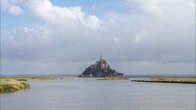 Mont Saint Michel in Frankrijk stock video