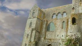 Mont Saint-Michel, Normandie, Frankreich--einer der besichtigten Touristenorte in Frankreich stock footage