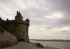 Mont Saint Michel-Verteidigungkontrollturm Lizenzfreie Stockfotos