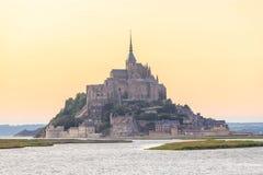 Mont Saint Michele an der Dämmerung Frankreich Stockbild