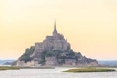 Mont Saint Michele en la oscuridad Francia Fotografía de archivo libre de regalías