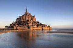 Mont Saint Michelreflexion Stockfoto