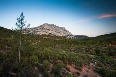 Mont Sainte Victoire in de Provence Stock Afbeelding
