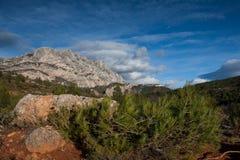 Mont Sainte Victoire en Provence Foto de archivo libre de regalías