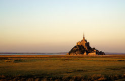 Mont-St-Michel no por do sol Fotografia de Stock