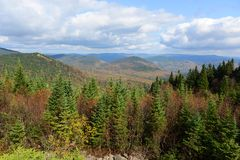 Mont Tremblant met Dalingsgebladerte, Quebec, Canada Stock Foto