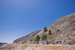Montaña árida y un cielo azul Fotografía de archivo