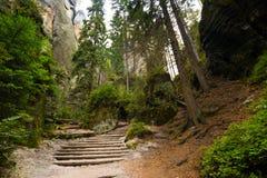 Montaña única Adrspasske de las rocas skaly en el parque nacional Adrspach, República Checa Foto de archivo