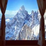 Montaña afuera Imagenes de archivo