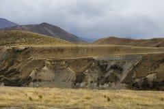 Montaña amarilla del campo Fotografía de archivo libre de regalías