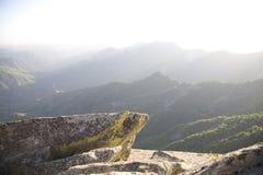 Montaña asoleada Imagenes de archivo