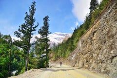 Montaña biking en Nepal Foto de archivo libre de regalías