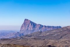 Montaña cerca de los impostores de Jebel - sultanato de Omán fotografía de archivo