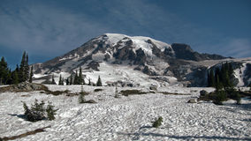 Montaña cercana de la nieve del paisaje Fotos de archivo libres de regalías