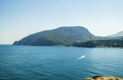 Montaña crimea Ayu-Dag o Medved'-Gora Imagenes de archivo