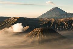 Montaña de Bromo Volcán en Indonesia foto de archivo