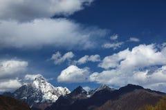 Montaña de cuatro muchachas Fotografía de archivo libre de regalías
