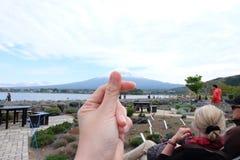 Montaña de Fuji en el lago del kawaguchiko, Japón Foto de archivo libre de regalías