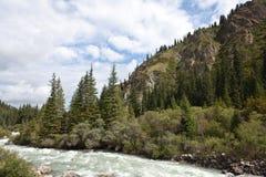 Montaña de Kirguistán Fotografía de archivo