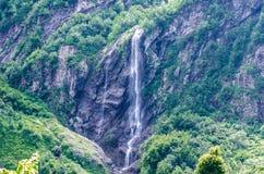 Montaña de la cascada Imagenes de archivo