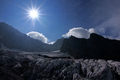 Montaña de la nieve Imagen de archivo libre de regalías