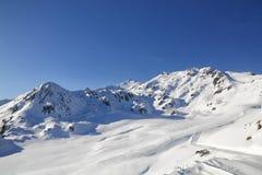 Montaña de la nieve fotos de archivo