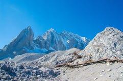 Montaña de la nieve en China Fotos de archivo libres de regalías