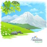 Montaña de la nieve y colinas verdes Foto de archivo